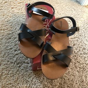 nwt strapping sandals